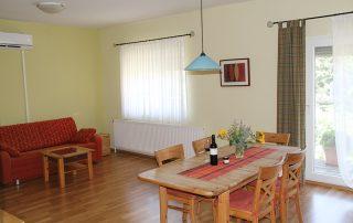 Lunzer Wohnraum Ferienwohnung Weinblüte