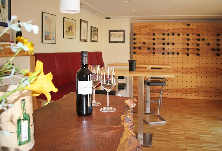 Vinothek am Weingut Lunzer